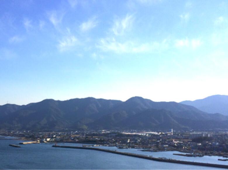 山と青空の写真